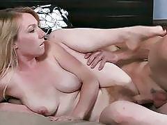 Cindy gets her hairy cunt pounded by big cock